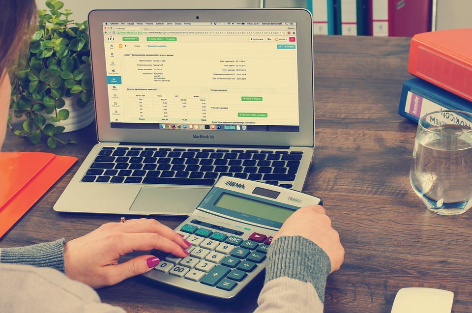 What Does an Accountant Do For a Small Business?
